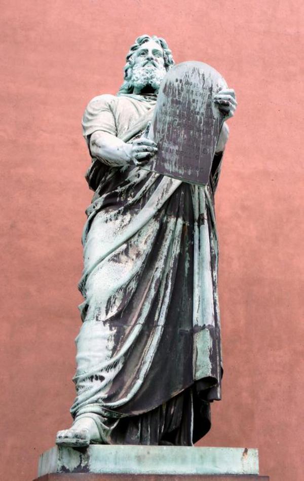 Moses ved Vor Frue